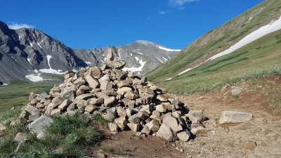 Rock cairn on Grays Peak Trail. Photo by Xnatedawgx, wiki commons.