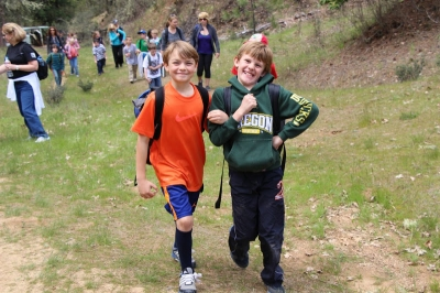 3rd graders immensely enjoying themselves while out trail hiking. Photo by Larry B. Smith.