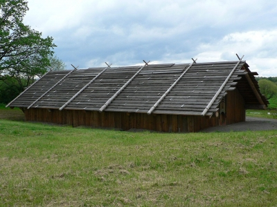 Cathlapotle Plankhouse (a 2005 full-scale replica of a Chinookan-style cedar plankhouse). Photo by Walter Siegmund.
