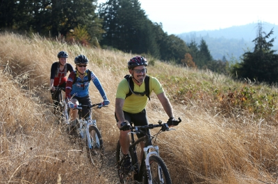 Bikers on the Ridgeline Trail in Eugene, Oregon. Photo by Chris Pietsch.