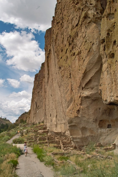 Main south-facing cliff at Bandelier National Monument. Photo by Dicklyon.