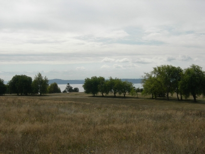 Looking from the Henry M. Jackson Viewpoint across the south meadow to Puget Sound. Photo by Joe Mabel/wiki.