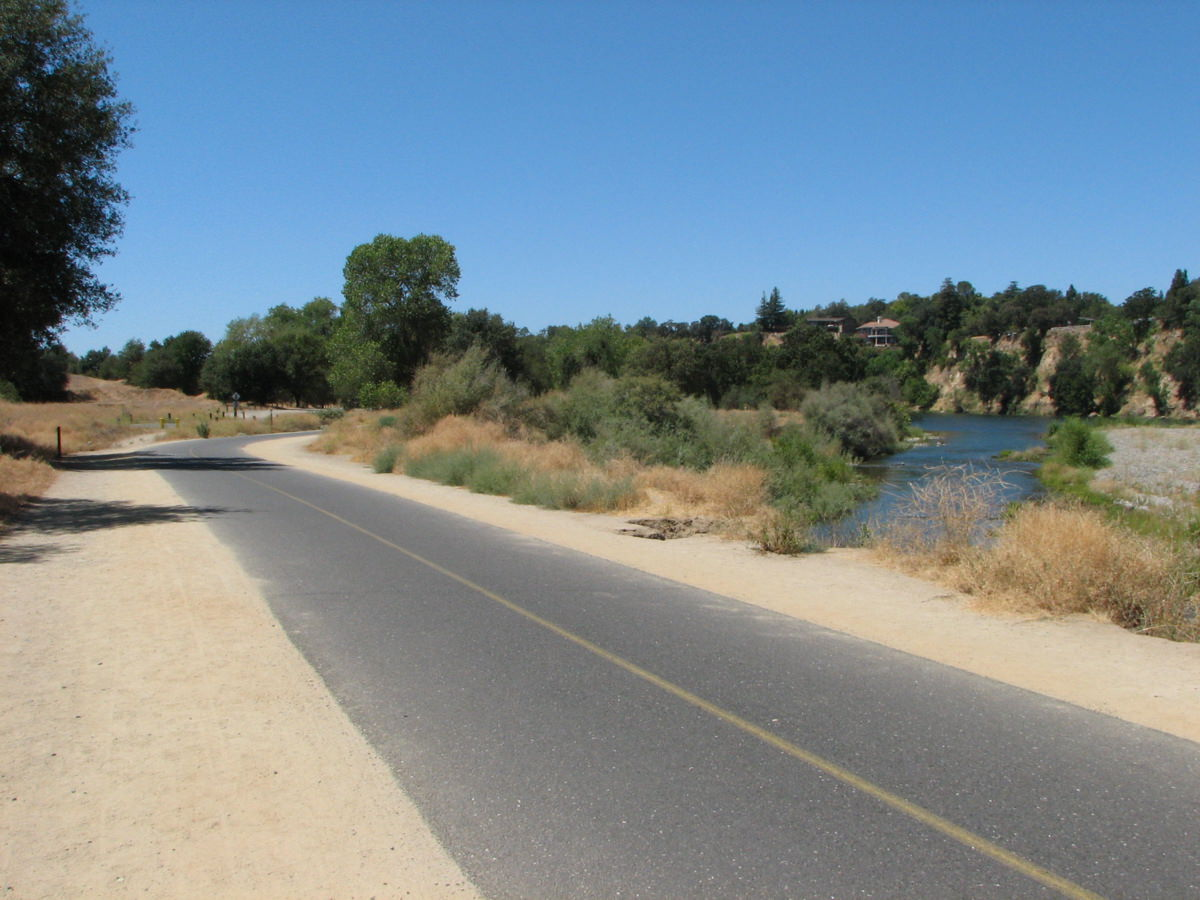 photo: American River Bike Trail, just east of the Bridge St entrance, at approximately Mile 21. Photo by Cravenmonket/wiki.