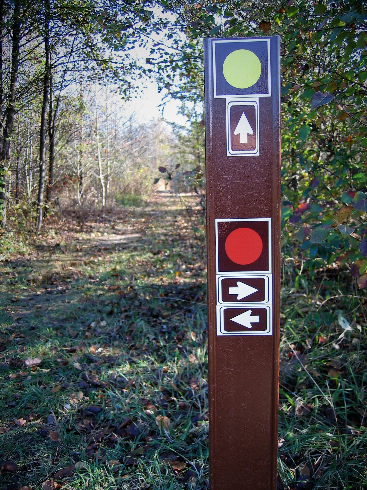 photo: All trail intersections are marked and correspond to the trail map shown on kiosks at 2 main trailheads, and on the CH website. Photo by Lew Gorman III.